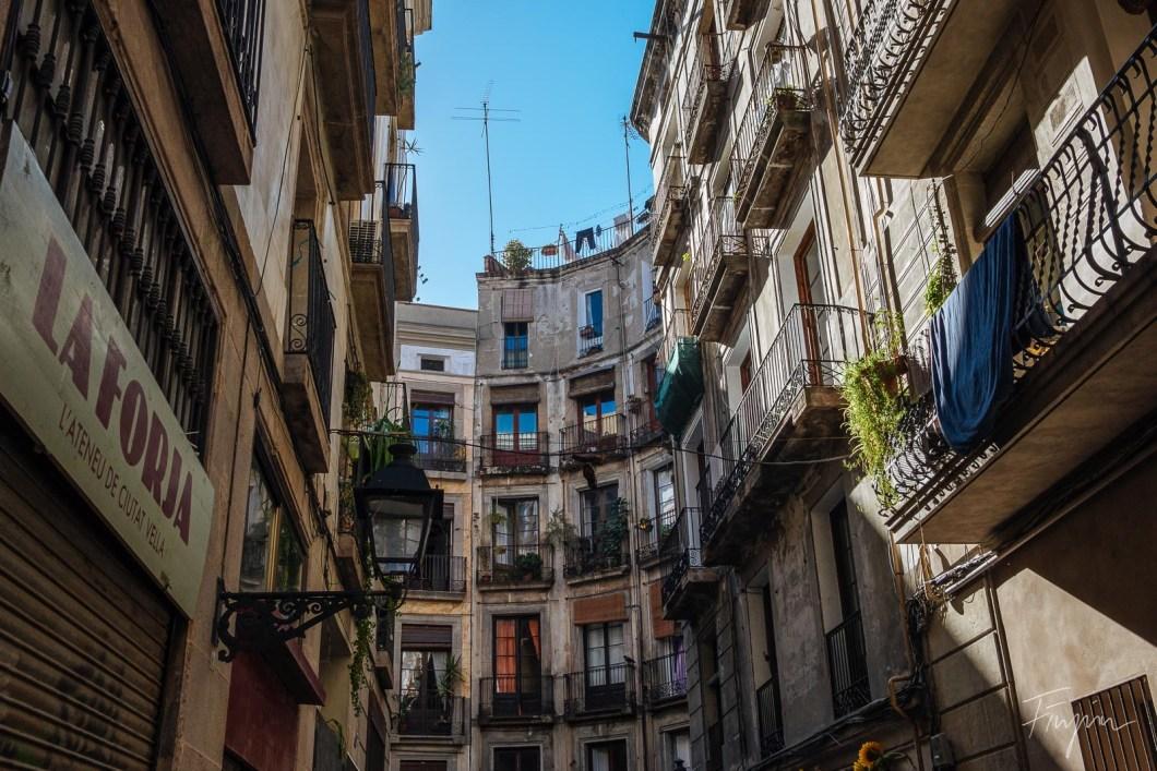 Sunny Barrio Gotic in Barcelona