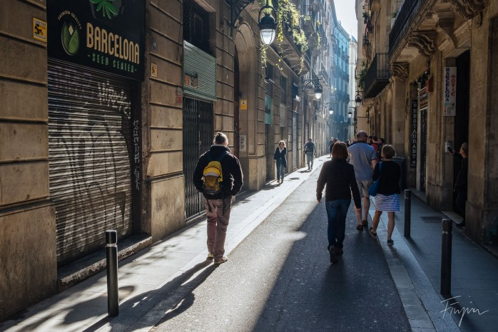 Sun is rising in the streets of the barrio gotic