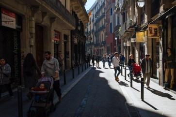 People in the Barrio Gotic