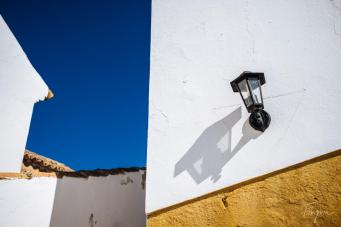 faro yellow blue lantern