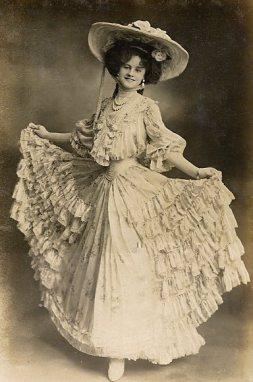 Victorian-Era-Fashion-Clothing
