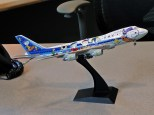 """All Nippon Airways Boeing 747SR-81 JA8139 in """"Snoopy Go!"""" livery, used to promote family ski vacations in Sapporo from 1996-1998"""