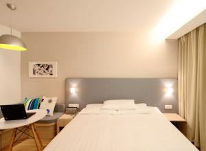 Oyo Rooms Revenue Model