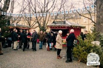 Stände im Weihnachtsdorf