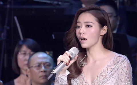 """Cuando Jane Zhang interpretó la canción """"imposible"""" de la Diva (El Quinto Elemento)"""