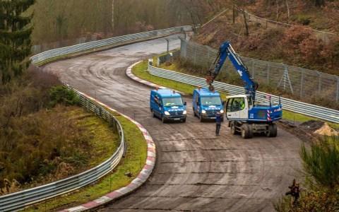 Están reparando fallos en Nürburgring y reasfaltando a lo loco