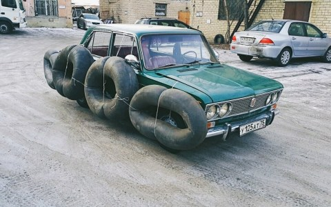 Primera autoescuela para mujeres en Ucrania
