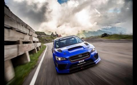 Subaru STI Type RA haciendo un tramo cronometrado en Rumanía a velocidad absurda