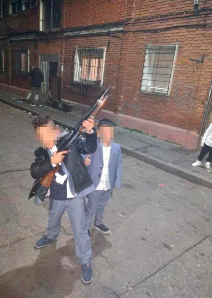 Gente de bien protegiendo el barrio