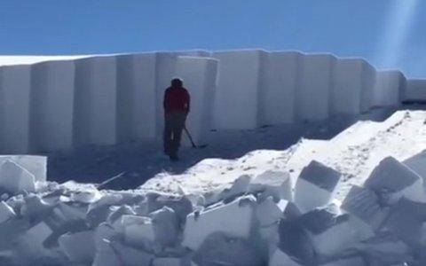 ¿Puede una persona quitar una capa de más de 2 metros de nieve sin usar maquinaria?