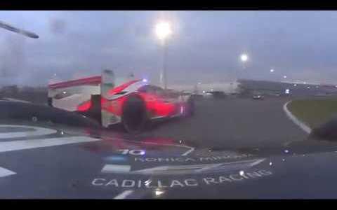 26 minutos de batalla entre Fernando Alonso  y Helio Castroneves