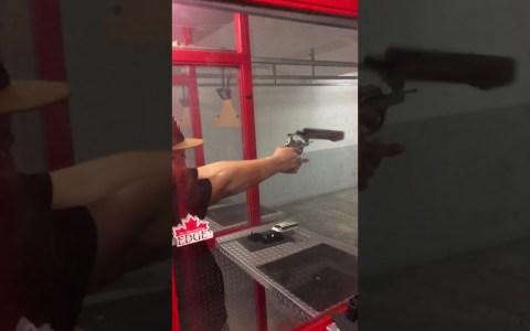 No sé de armas pero diría que esto no tendría que pasar.
