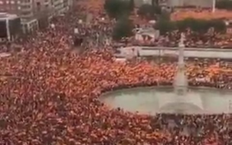 Ayer se pasaron por Colón 45.000 personas que se movían muy rápido
