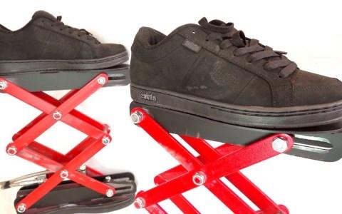 Los zapatos con elevador hidráulico de tijera: el calzado que estabas esperando