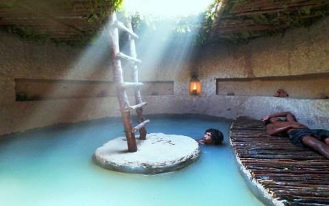Primitive Technology Flipao | Casa secreta con piscina