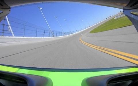 ¿Qué pasa si pinchas circulando a 290km/h?