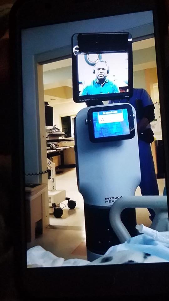 Críticas a un hospital de EE UU por usar un robot para comunicar a un paciente que iba a morir