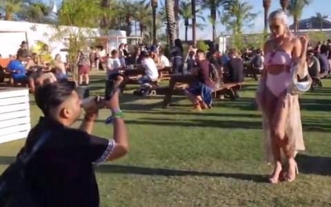Mientras tanto, en Coachella