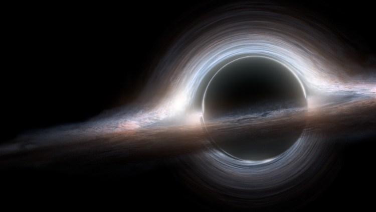 ¿Por qué vemos así los agujeros negros?