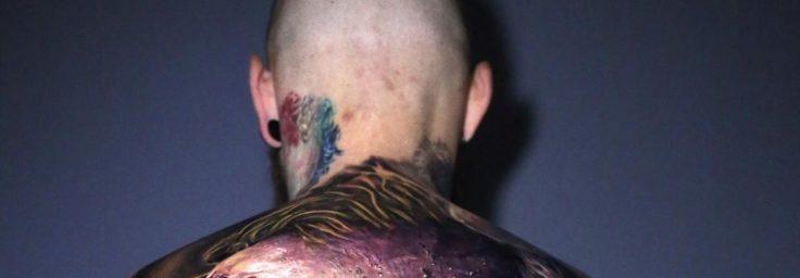 Los tatuadores Torstem Malm, Adrian Ciercoles, Moriel Sero y Kätlin Malm invirtieron 2 días en este tatuaje que cambia con el movimiento