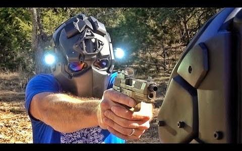 Probando la resistencia del casco antibalas DevTac Ronin