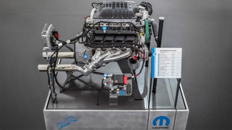 Mopar pone a la venta 100 unidades de su motor HEMI de 1000cv por 27000 euros... y se agotan en 3 días