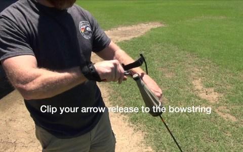 El arco de bolsillo: un tirachinas capaz de disparar flechas.