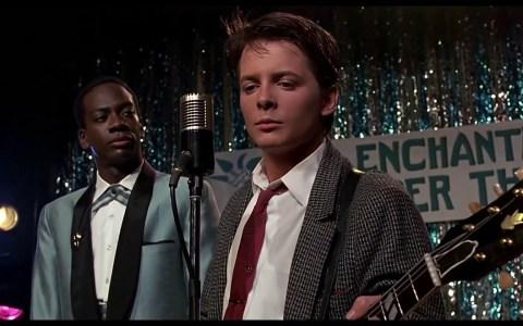Marty McFly tocando tremendo cumbión es el vídeo importante del día