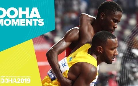 Las altas temperaturas de Doha dejan imágenes como la de este deportista ayudando a su competidor a llegar a meta