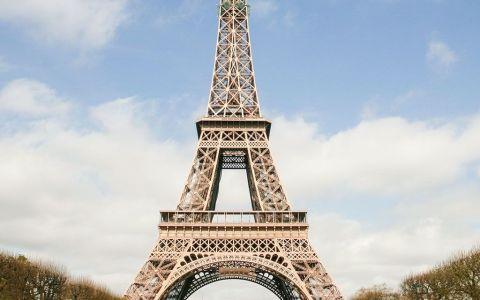 Cuando vas a Francia, la visita a la Torre Eiffel es obligada... o... bueno, igual no tanto