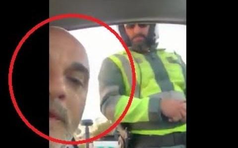 """Un calvin le llama """"pancetas, gordo y asqueroso"""" a un Guardia Civil tras multarle por hablar por el móvil y por llevar unos listones de madera demasiado largos"""