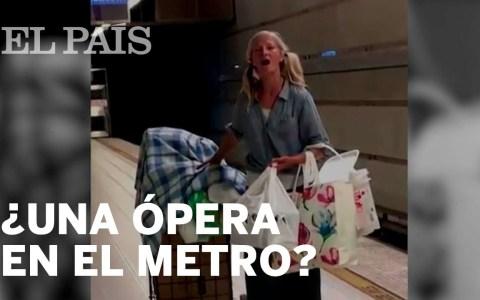 Una mujer sin hogar logra salir de la calle tras ser grabada interpretando un aria de Puccini