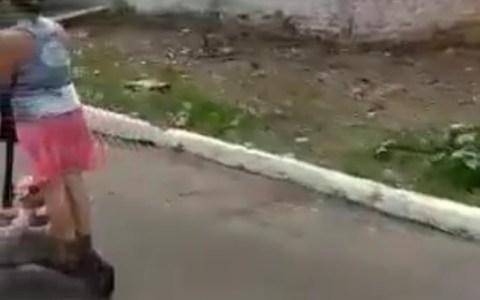 Madre del año: patinete edition