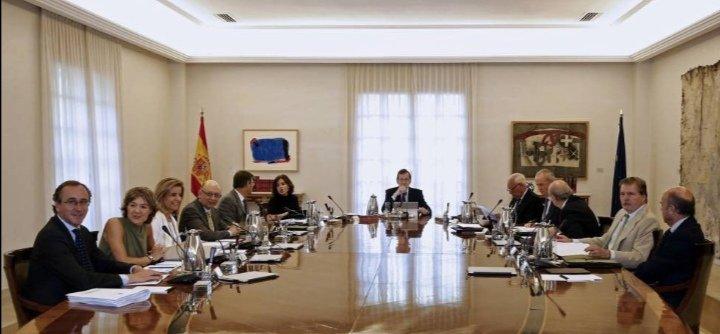 Consejo de ministros en 2016 vs consejo de ministros en 2020.