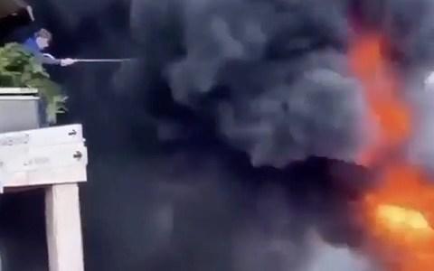 ¿Un mal día? podría ser peor... podría estar ardiendo tu Ferrari F40 de 1,3 millones de euros delante de tus narices