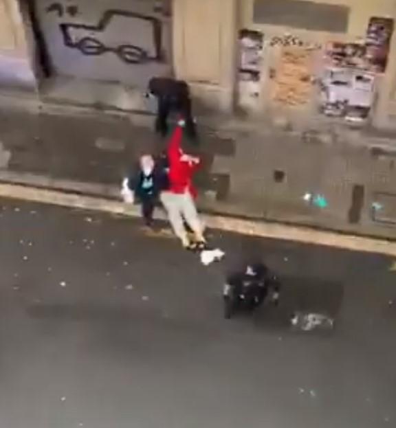 """""""No la podéis pegar, es mujer, MACHISTAS"""""""