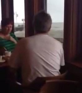 """""""Este restaurante es una pasada, es como estar comiendo en medio del mar pero sin moj..."""""""