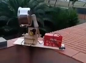 A Pablo Iglesias le crecen los enanos en su barrio. Ahora sus propios vecinos le montan caceroladas AUTOMÁTICAS