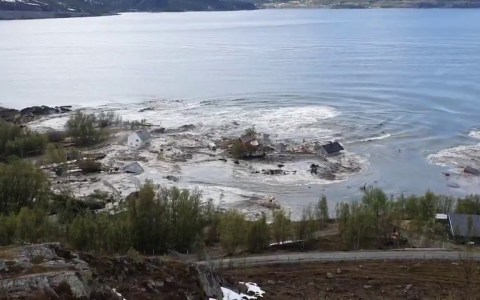 Impresionante movimiento de tierra en Alta (Noruega)