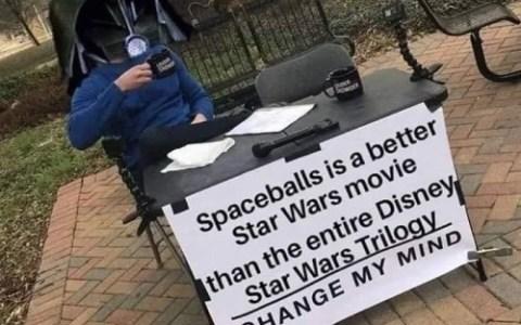 La Loca Historia de las Galaxias (a todo gas ondavital) es mejor que toda la trilogía de Star Wars by Disney