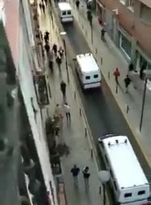 """Así reciben en Bilbao a VOX: """"¿Pero quiénes son? ¿¡VOX!?"""""""
