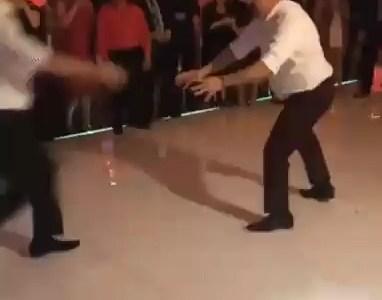 El lambrusco de esta boda no sube nada...