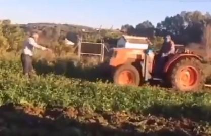 DISCUSIÓN ANTOLÓGICA sobre cómo llevar el tractor por el arado.