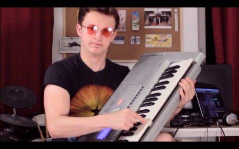 Cuando solo sabes tocar 5 notas pero quieres poner Internet atope