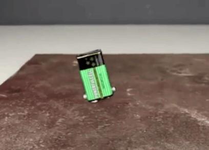 Cómo hacer que una pila de 9 voltios camine