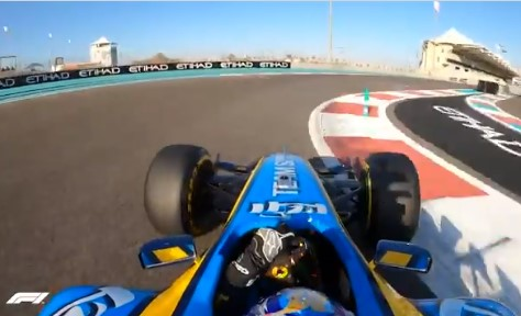 Alonso se vuelve a montar en el R25 15 años después de ganar el mundial