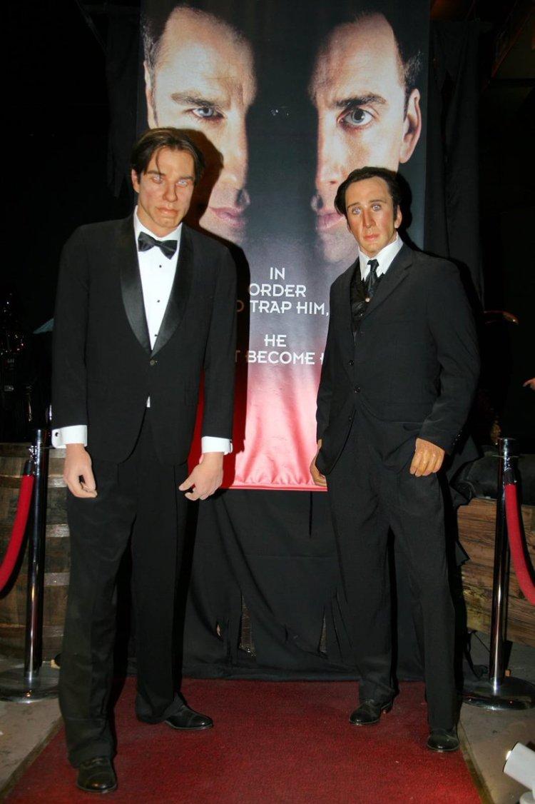 John Travolta y Nicolas Cage ya han recibido la vacuna y están de pvta madre