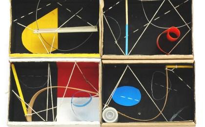 Os amores do calígrafo e a trapecista/    Ensamblaxe en catro caixas de cartón/    35x40x15 cm/    2005