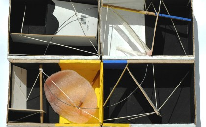Ulises 2/    Ensamblaxe en caixa de cartón/    35x40x15 cm/    2005