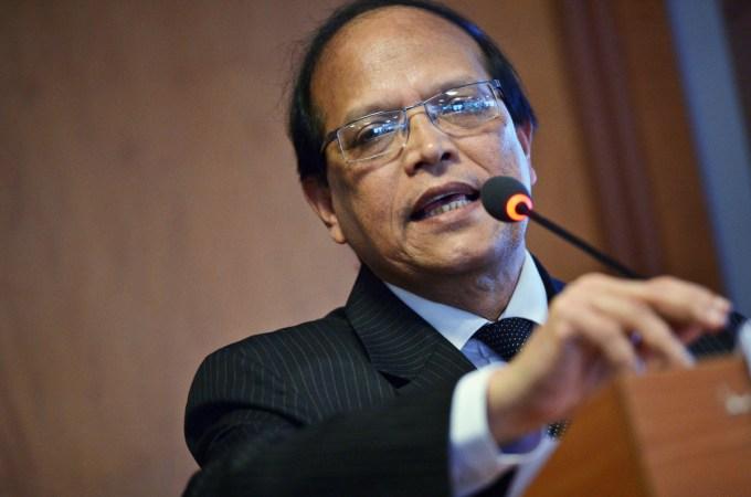 Bangladesh Backs Mobile Phones To Move Cash Among Rural Poor